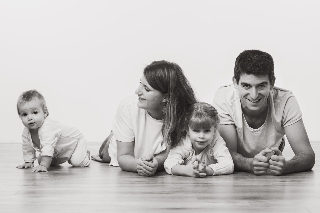 Photo de famille en studio Nancy Toul Gregory clement gregphoto Port 065 PHOTOGRAPHE NANCY.COM